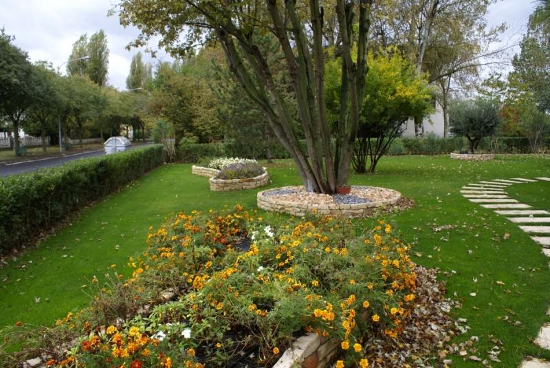 Giardini privati trendy with giardini privati simple alla ricerca del wild nei giardini - Immagini di giardini fioriti ...